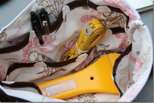 24-pocket zipper pouch